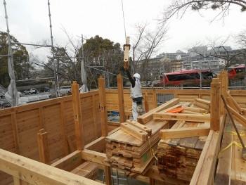 【建て方】服部緑地「板倉造り」事務所棟移築 小屋組み01