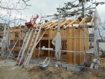 【建て方】服部緑地「板倉造り」事務所棟移築 小屋組み02