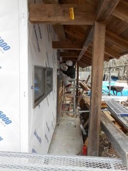 【屋根~外壁】服部緑地「板倉造り」事務所棟移築 外壁防水紙01