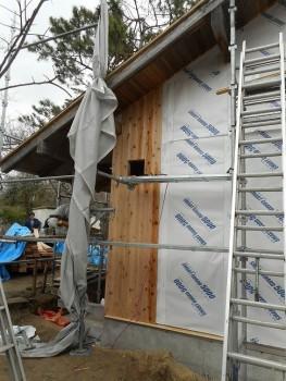 【屋根~外壁】服部緑地「板倉造り」事務所棟移築 外壁防水紙02