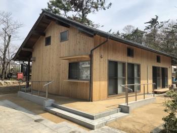 【調査~材木搬入】服部緑地「板倉造り」事務所棟移築