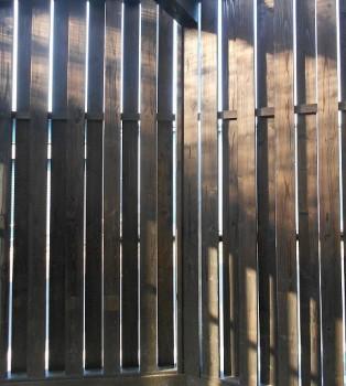 堺南野田 ゼロエネの板倉造りの家 外構 板塀完成05