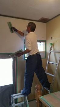大阪 交野 自然素材健康住宅の耐震リフォーム 裏玄関壁漆喰下塗り02
