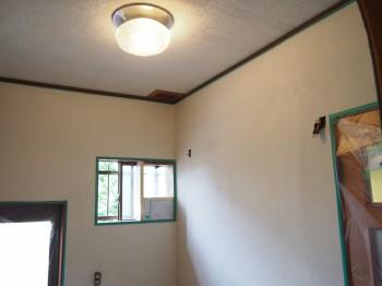 大阪 交野 自然素材健康住宅の耐震リフォーム 裏玄関壁漆喰下塗り04