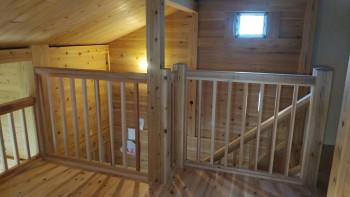 和歌山市内原 板倉造りの家 ロフト増設床貼・手すり取付03