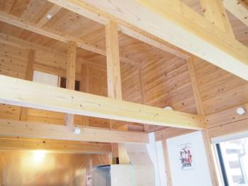 和歌山市内原 板倉造りの家 ロフト増設小梁取付01
