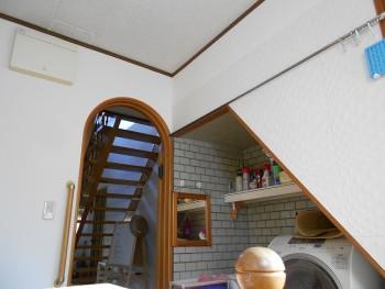 大阪 交野 自然素材健康住宅の耐震リフォーム 裏玄関壁漆喰完了00