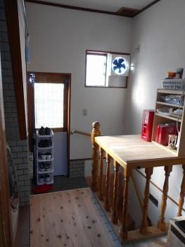 大阪 交野 自然素材健康住宅の耐震リフォーム 裏玄関壁漆喰完了02